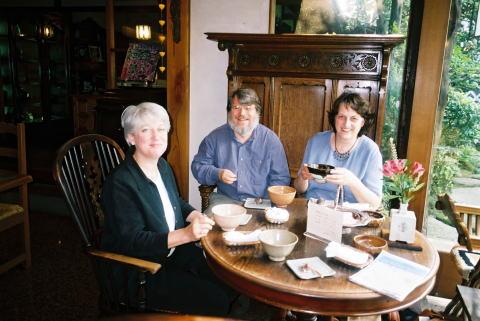 エレン、ポール、奥さんのクリステル。倉敷のカフェにて